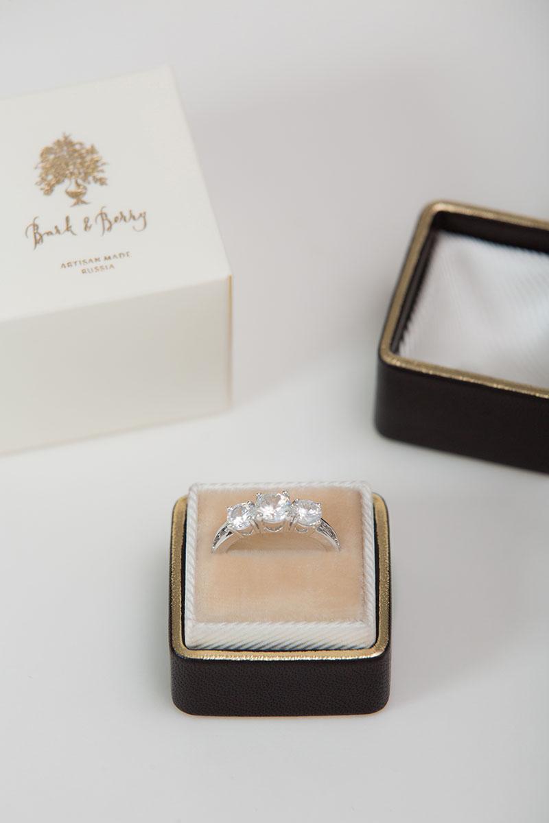 Кожаная коробочка для кольца ручной работы Velvet Ring Box Fine Art Wedding