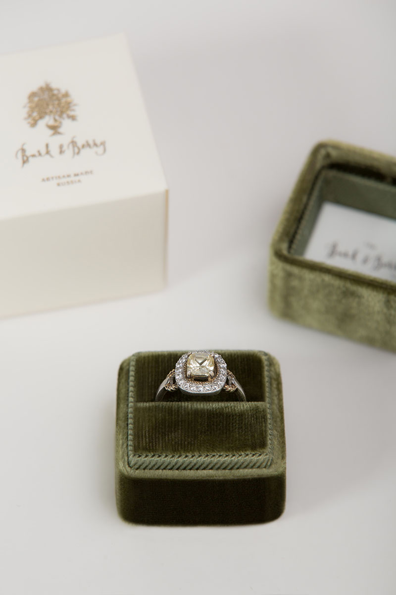 Бархатная коробочка для кольца Velvet Ring Box Fine Art Wedding