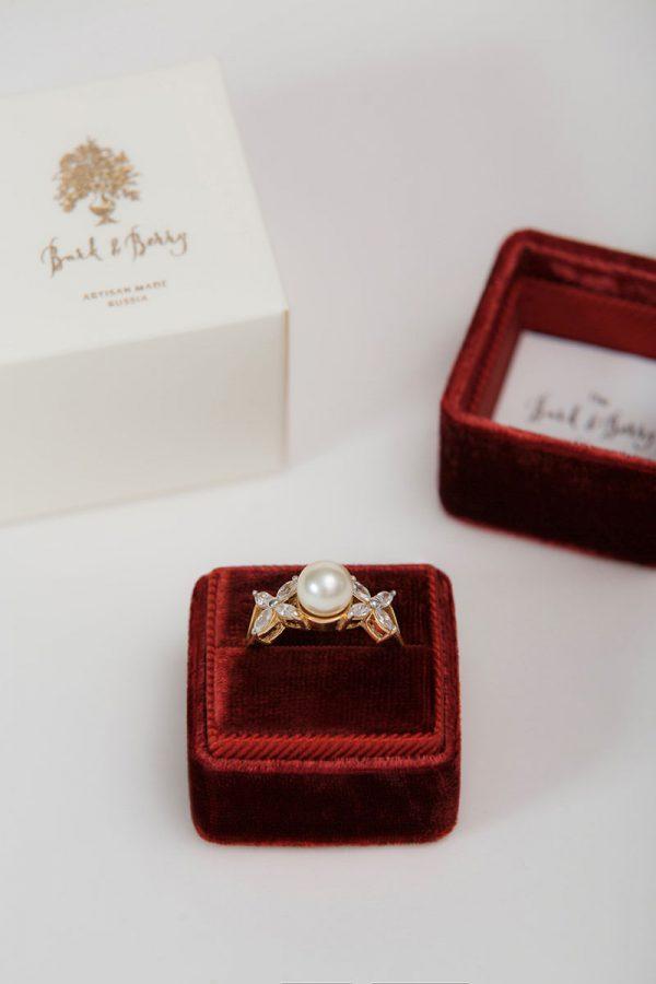Бархатная коробочка для кольца · Velvet Ring Box
