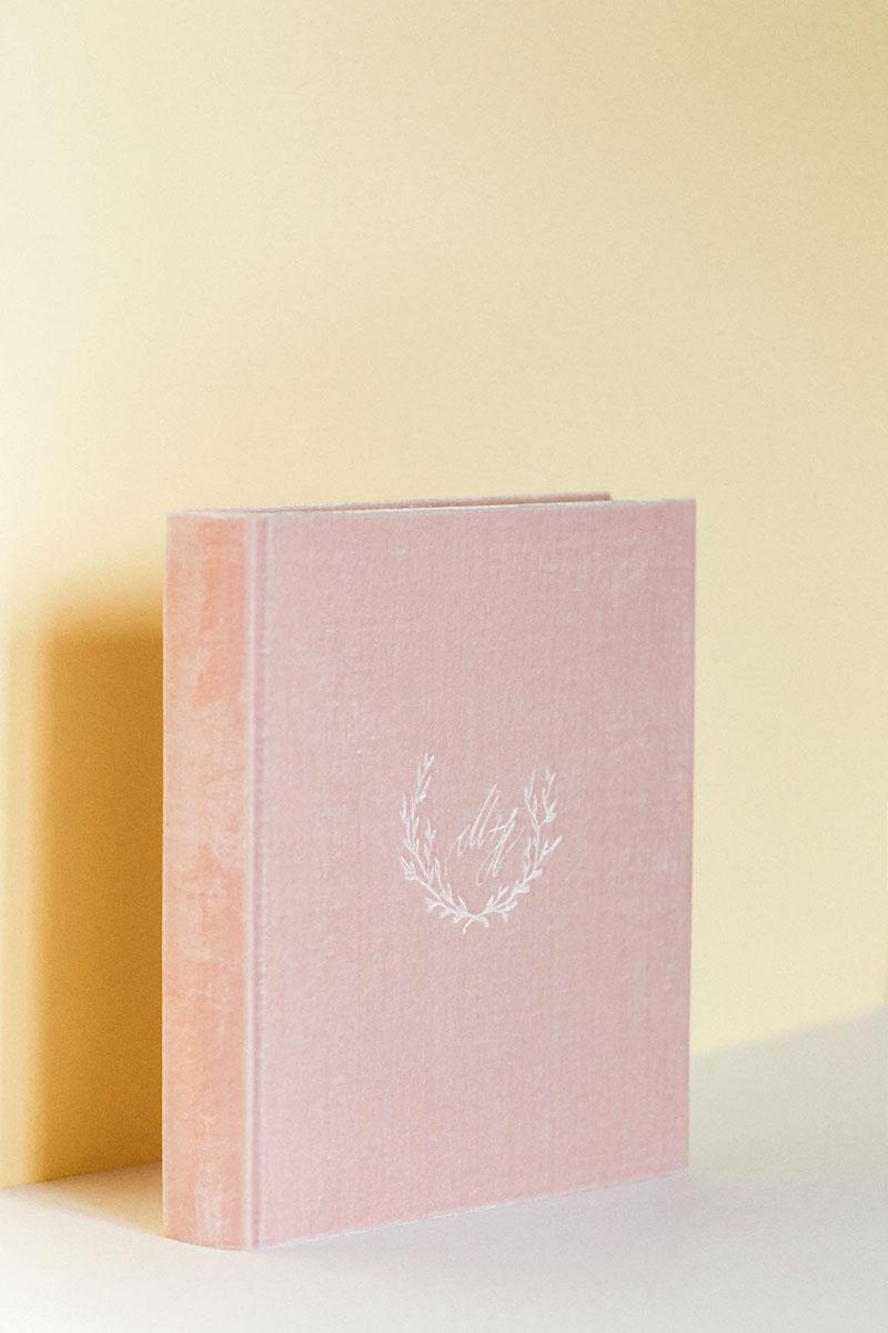 Bark-and-Berry-Flamingo-vintage-velvet-wedding-debossed-guest-book-photoalbum-019