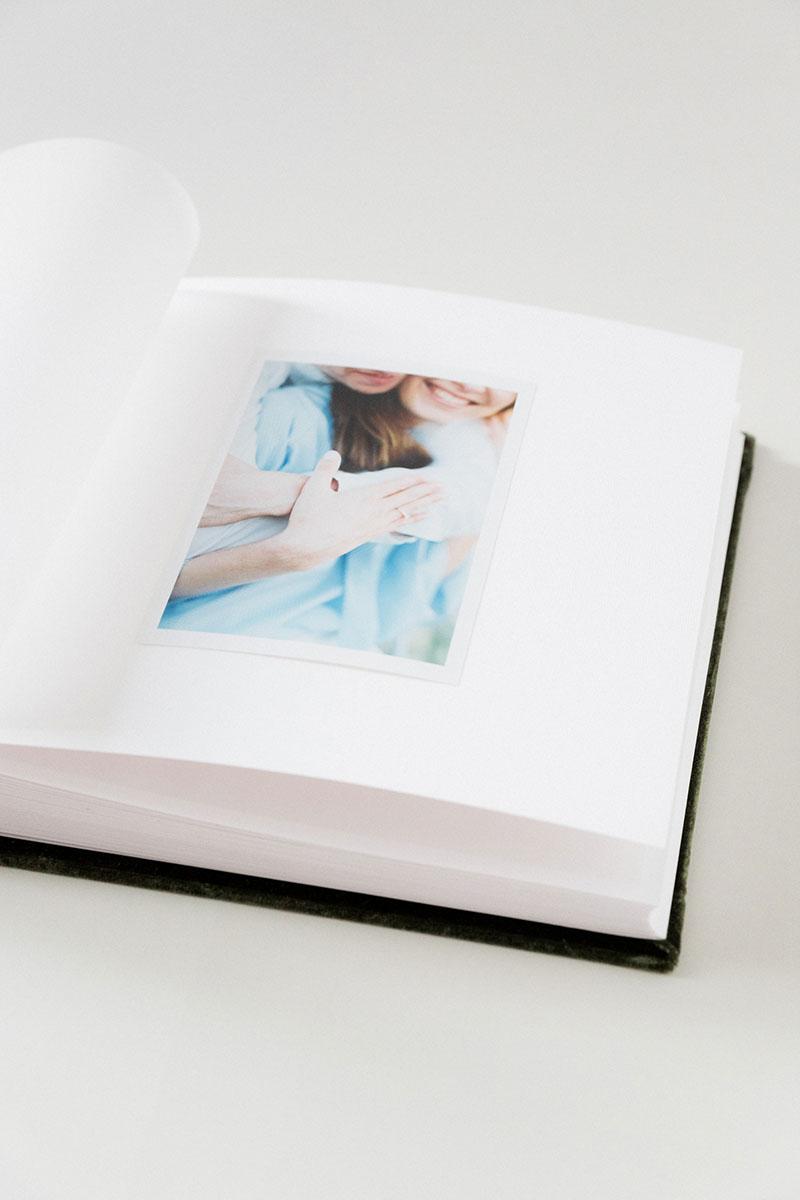 Bark-and-Berry-Moss-vintage-velvet-wedding-embossed-monogram-guest-book-photoalbum-010