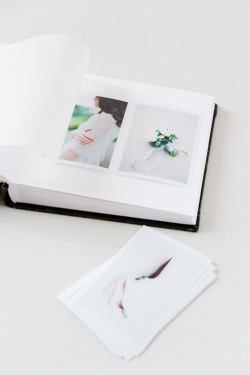Bark-and-Berry-Moss-vintage-velvet-wedding-embossed-monogram-guest-book-photoalbum-013