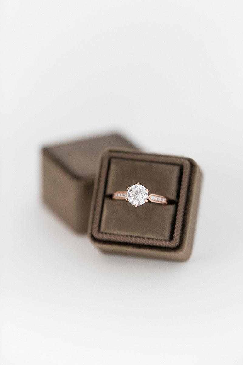 Bark-and-Berry-Truffle-double-slot-vintage-wedding-embossed-monogram-velvet-ring-box-001