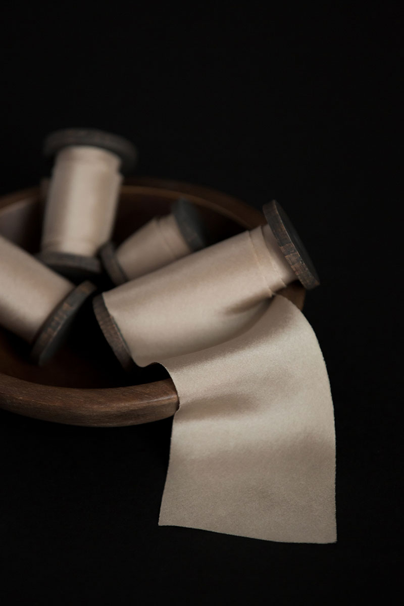 Bark-and-Berry-hand-plant-dyed-wedding-bias-cut-silk-ribbons-cold-beige-005