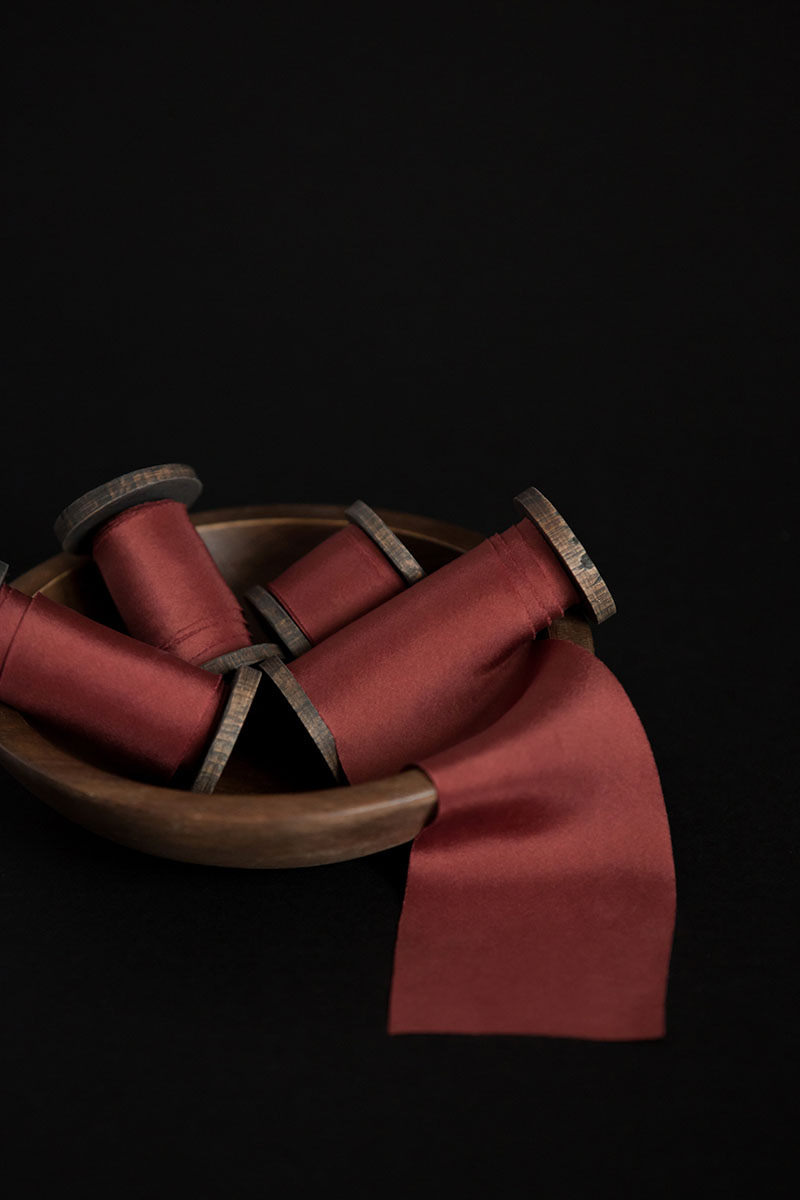 Bark-and-Berry-hand-plant-dyed-wedding-bias-cut-silk-ribbons-dingy-red-005