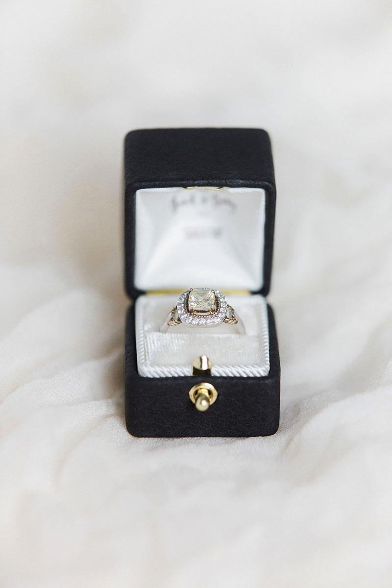 Bark-and-Berry-Ludovic-vintage-wedding-embossed-monogram-velvet-leather-ring-box-001