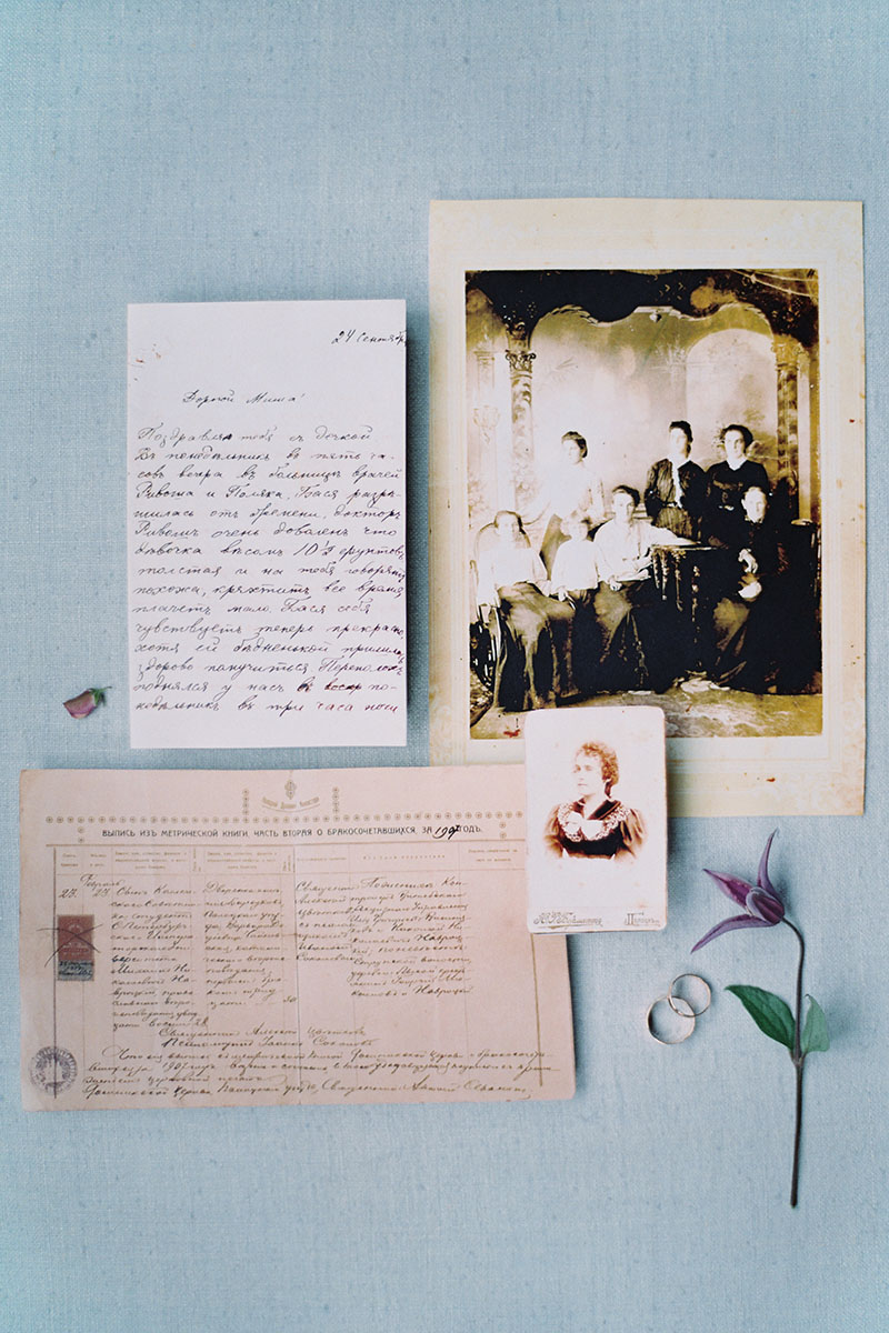 Bark-and-Berry-Pale-Blue-Tussah-styling-boards-for-wedding-stationery-bouquet-detail-shot-008