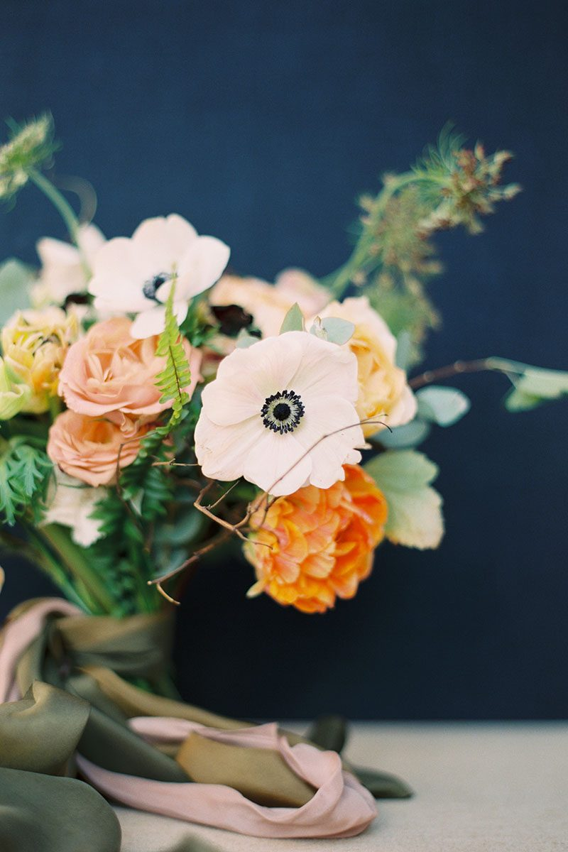 Bark-and-Berry-Ocean-Linen-styling-boards-for-wedding-stationery-bouquet-detail-shot-005