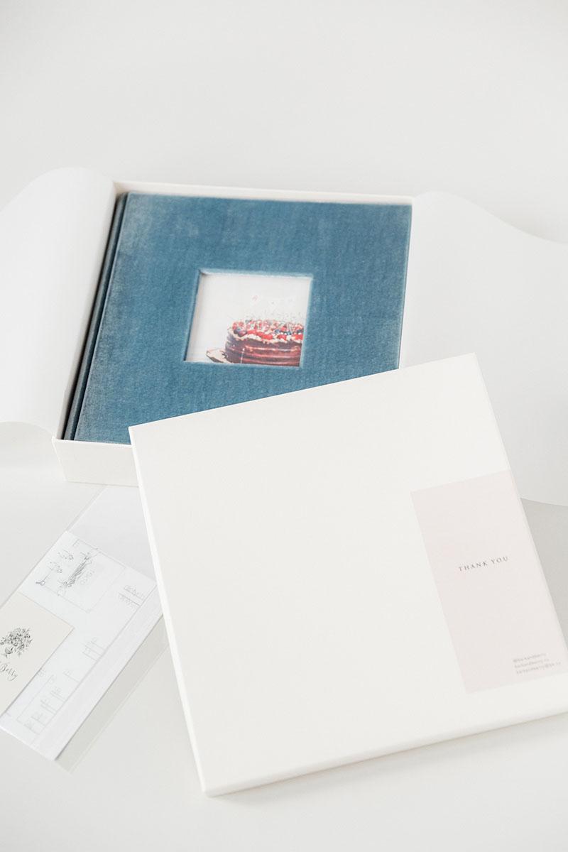 Bark-and-Berry-vintage-velvet-linen-wedding-embossed-monogram-guest-book-photoalbum-027