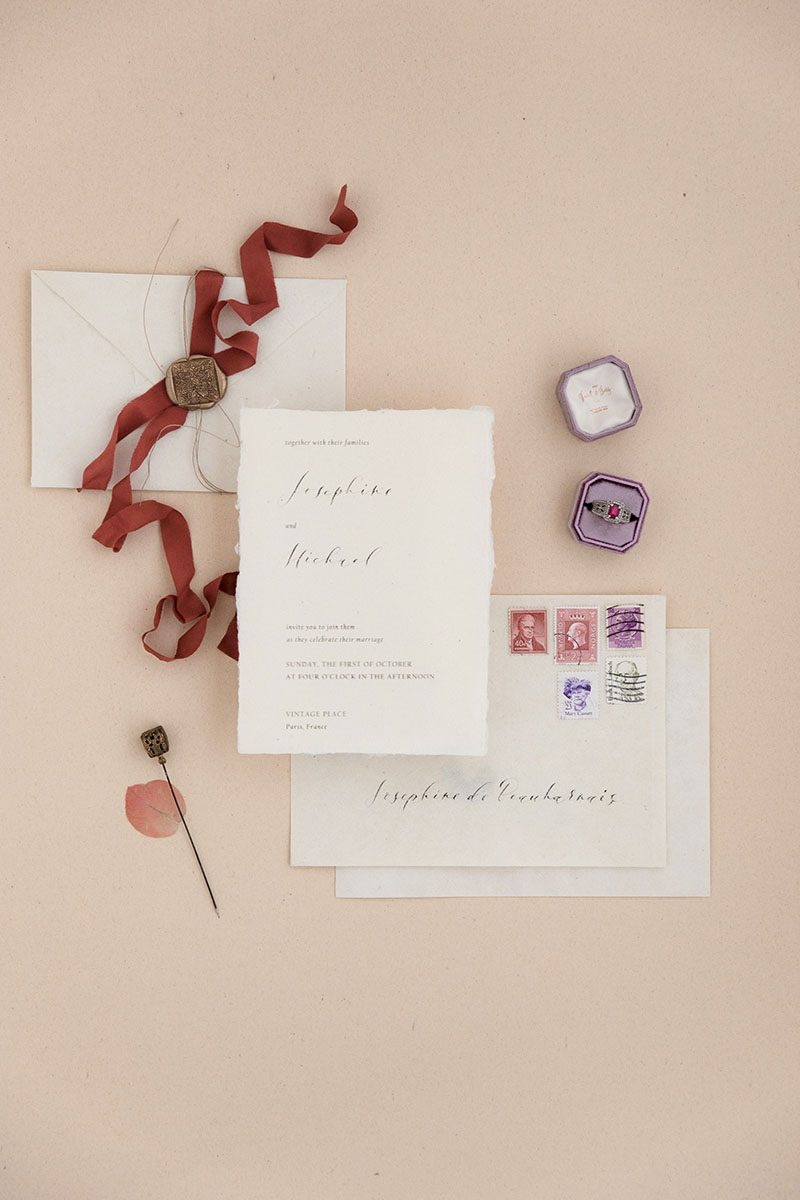 Bark-and-Berry-Amethyst-double-slot-vintage-wedding-embossed-monogram-octagon-velvet-ring-box-002