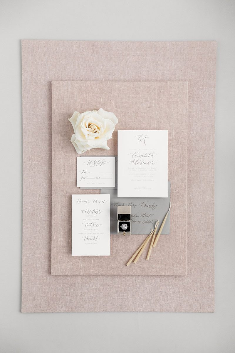 Bark-and-Berry-Ivory-Blush-styling-mini-standard-boards-for-wedding-stationery-bouquet-detail-shot-001