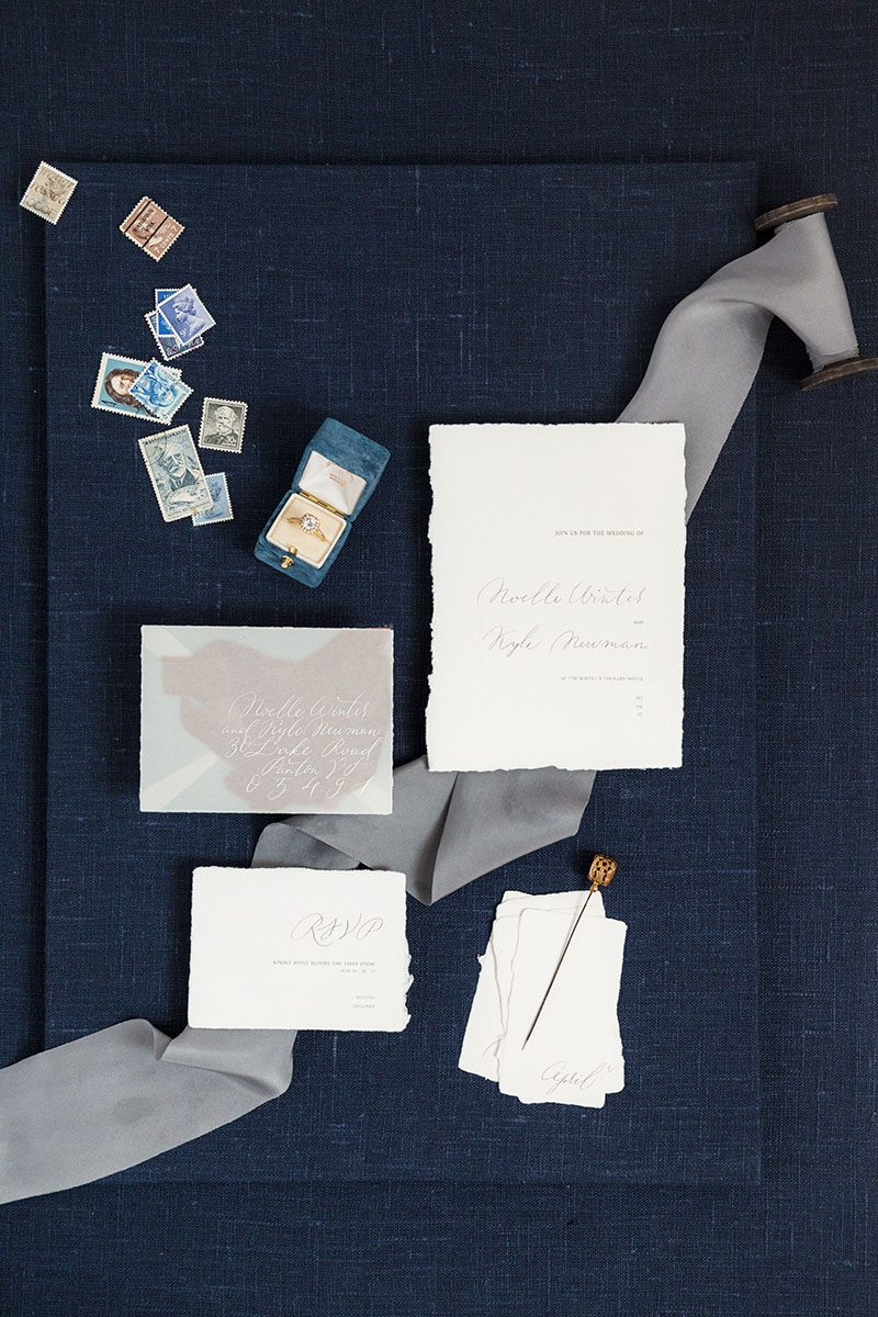 Bark-and-Berry-Ocean-Linen-styling-mini-standard-boards-for-wedding-stationery-bouquet-detail-shot-001