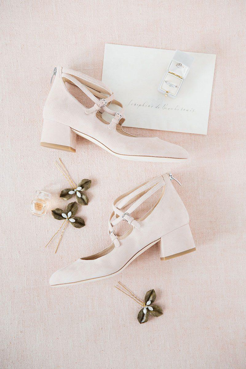 Bark-and-Berry-Cloud-vintage-wedding-embossed-monogram-velvet-suede-ring-box-007