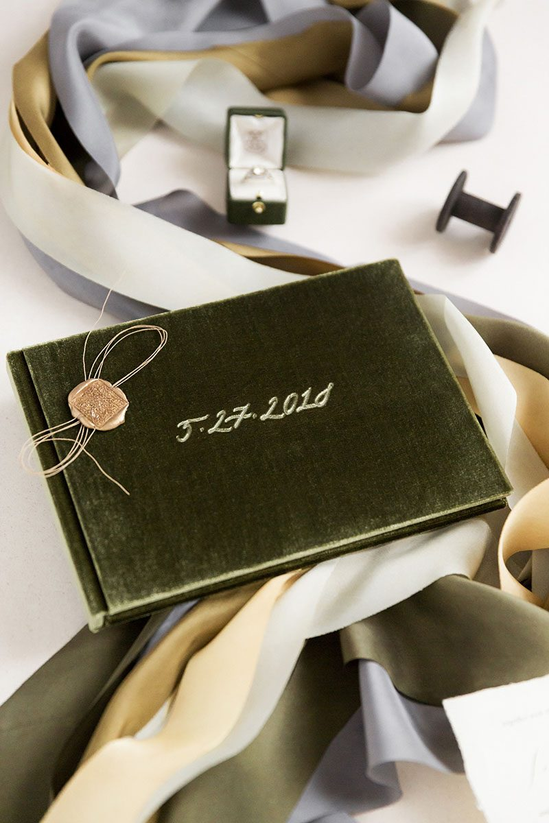 Bark-and-Berry-Moss-vintage-velvet-wedding-embossed-monogram-guest-book-photoalbum-020