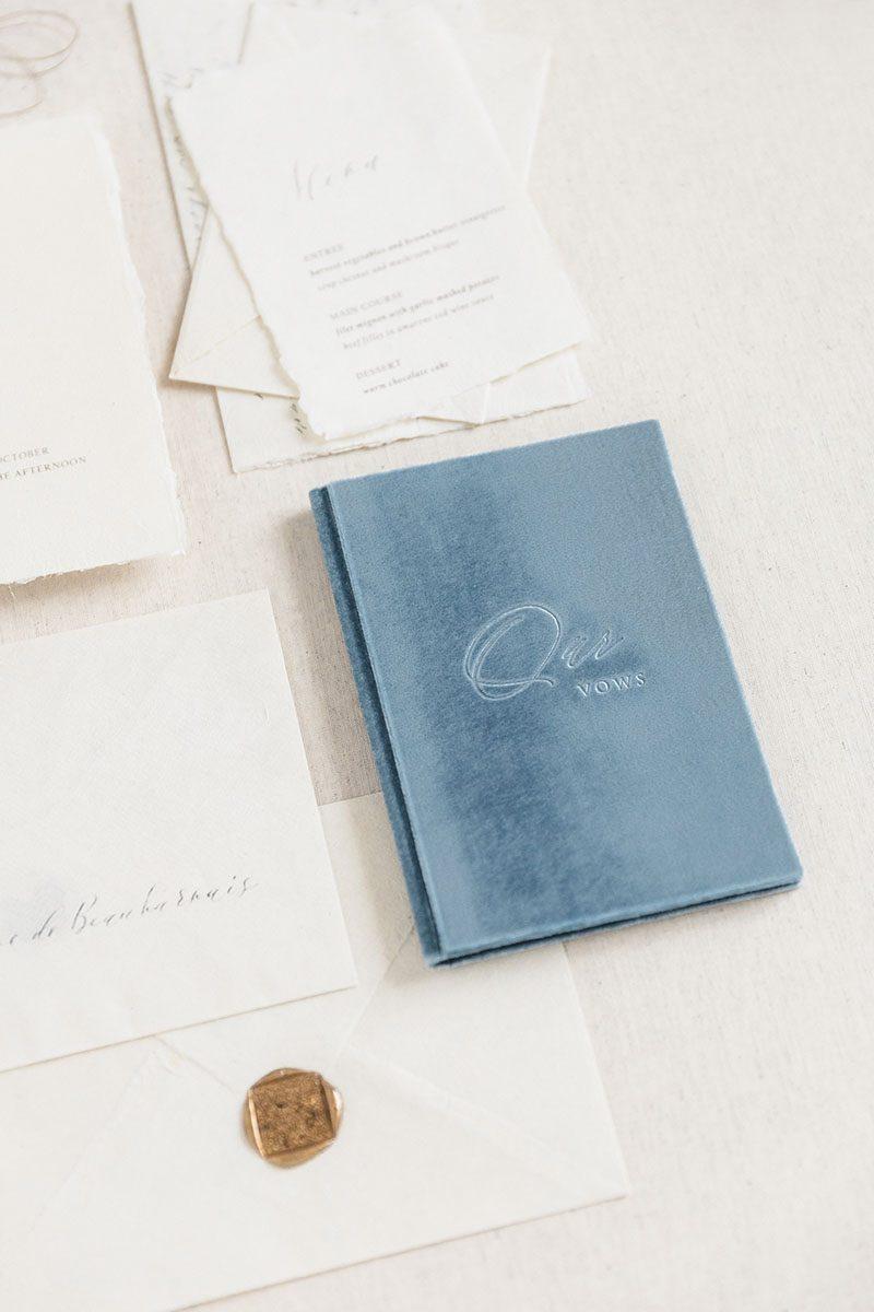 Bark-and-Berry-Lake-vintage-velvet-wedding-embossed-monogram-vows-folder-book-002