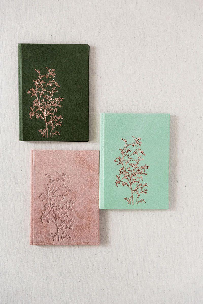 Bark-and-Berry-Charlotte-Honeydew-Powder-vintage-genuine-leather-suede-wedding-embossed-monogram-vows-folder-book-002