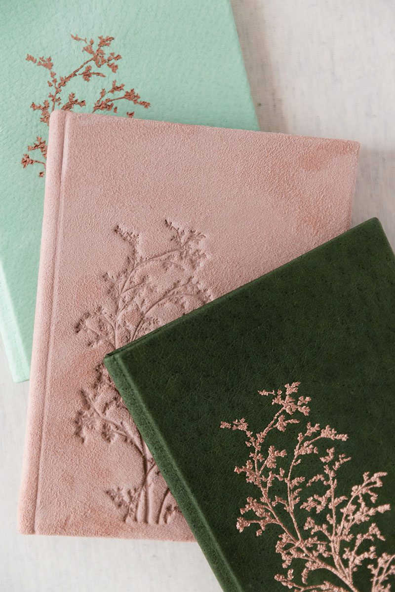 Bark-and-Berry-Charlotte-Honeydew-Powder-vintage-genuine-leather-suede-wedding-embossed-monogram-vows-folder-book-004