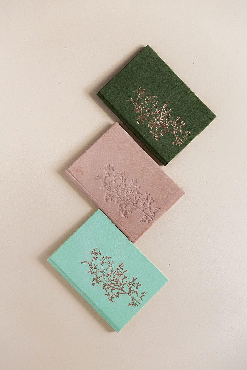 Bark-and-Berry-vintage-genuine-leather-suede-linen-velvet-wedding-embossed-monogram-vows-folder-book-mix-004