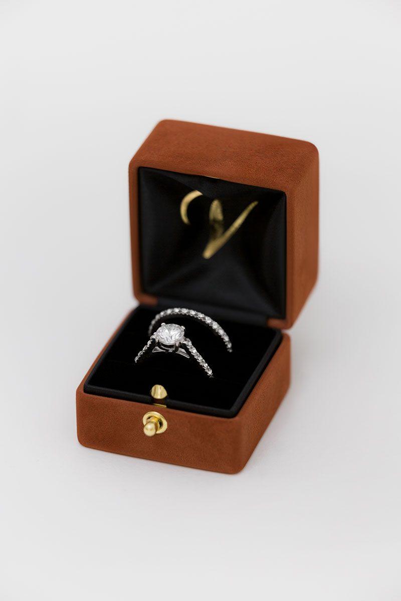 Bark-and-Berry-Terracotta-vintage-wedding-embossed-double-monogram-velvet-suede-grand-ring-box-all-black-one-slot-002