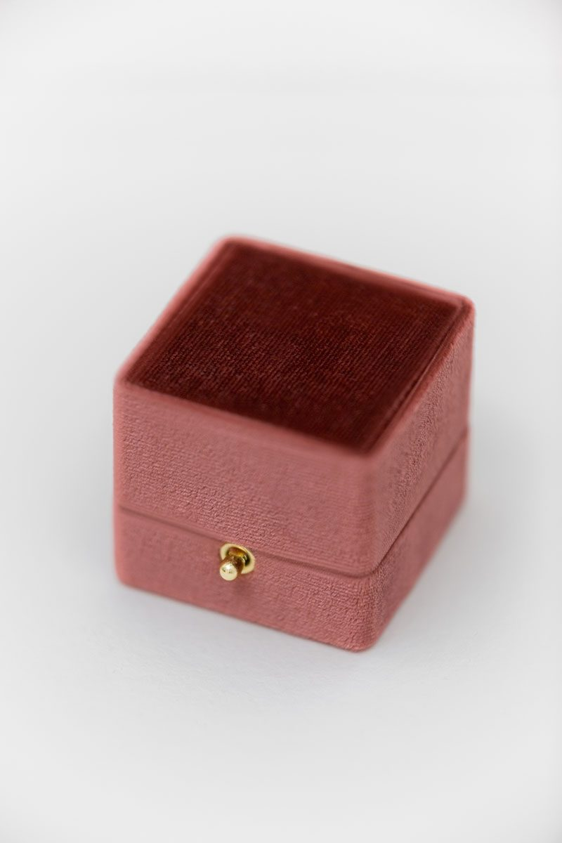 Bark-and-Berry-Dusty-Cedar-vintage-wedding-embossed-double-monogram-velvet-grand-ring-box-double-slot-002