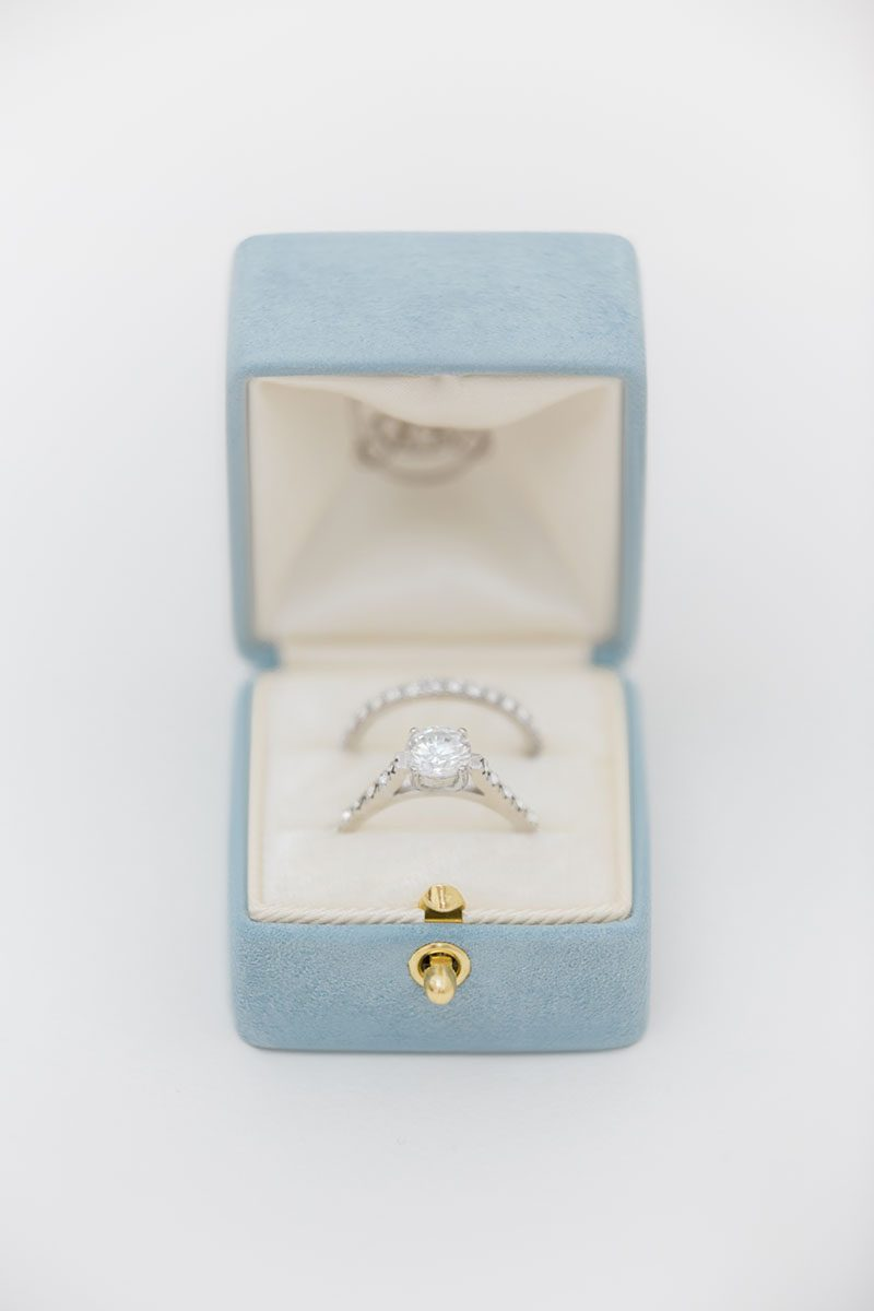 Bark-and-Berry-Grace-vintage-wedding-embossed-double-monogram-velvet-suede-grand-ring-box-all-ivory-001