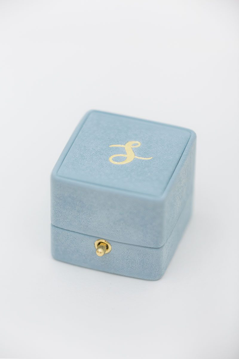 Bark-and-Berry-Grace-vintage-wedding-embossed-double-monogram-velvet-suede-grand-ring-box-all-ivory-003