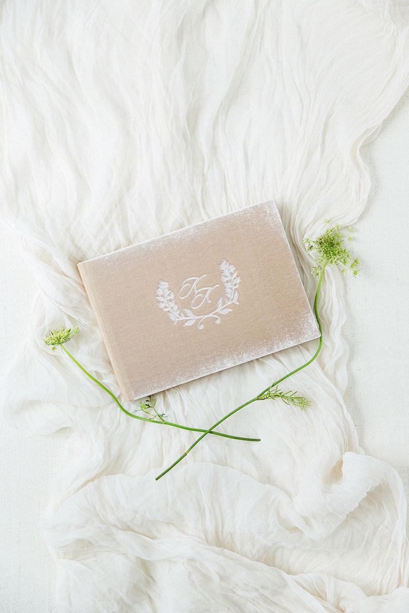 Книга пожеланий из бархатаб альбом для фотографий, свадебный альбом, книга для гостей может стать отличным подарком на свадьбе