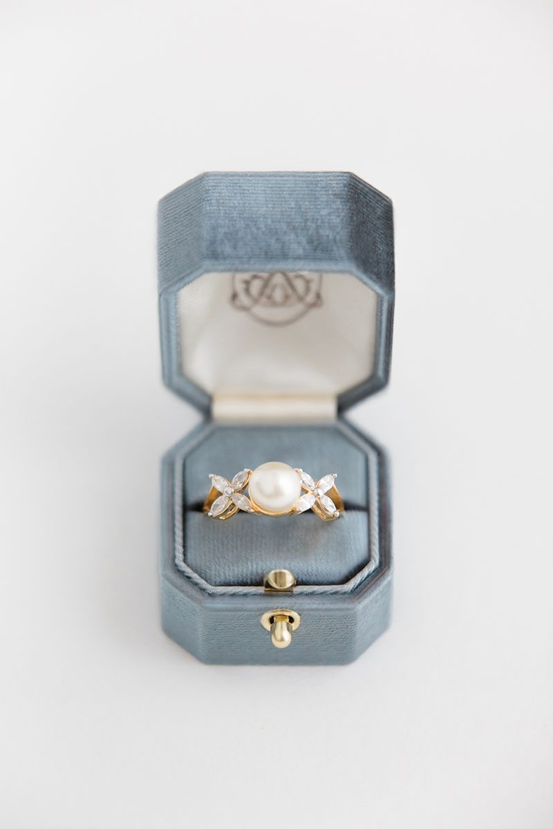 Bark-and-Berry-Stone-vintage-wedding-embossed-monogram-octagon-solid-velvet-ring-box-with-lock-001