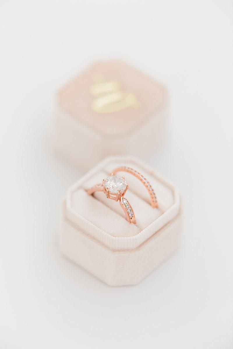 Bark-and-Berry-Petite-Blush-octagon-vintage-wedding-embossed-individual-monogram-velvet-ring-box-001