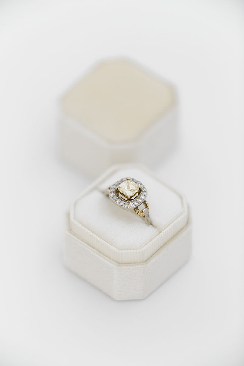 Bark-and-Berry-Petite-Ivory-octagon-vintage-wedding-embossed-individual-monogram-velvet-ring-box-001