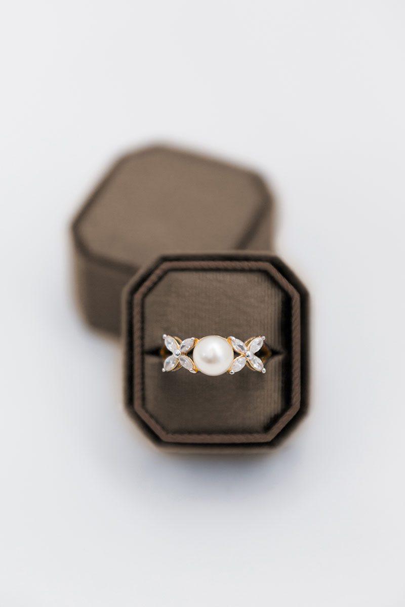 Bark-and-Berry-Truffle-double-slot-vintage-wedding-embossed-monogram-octagon-velvet-ring-box-003