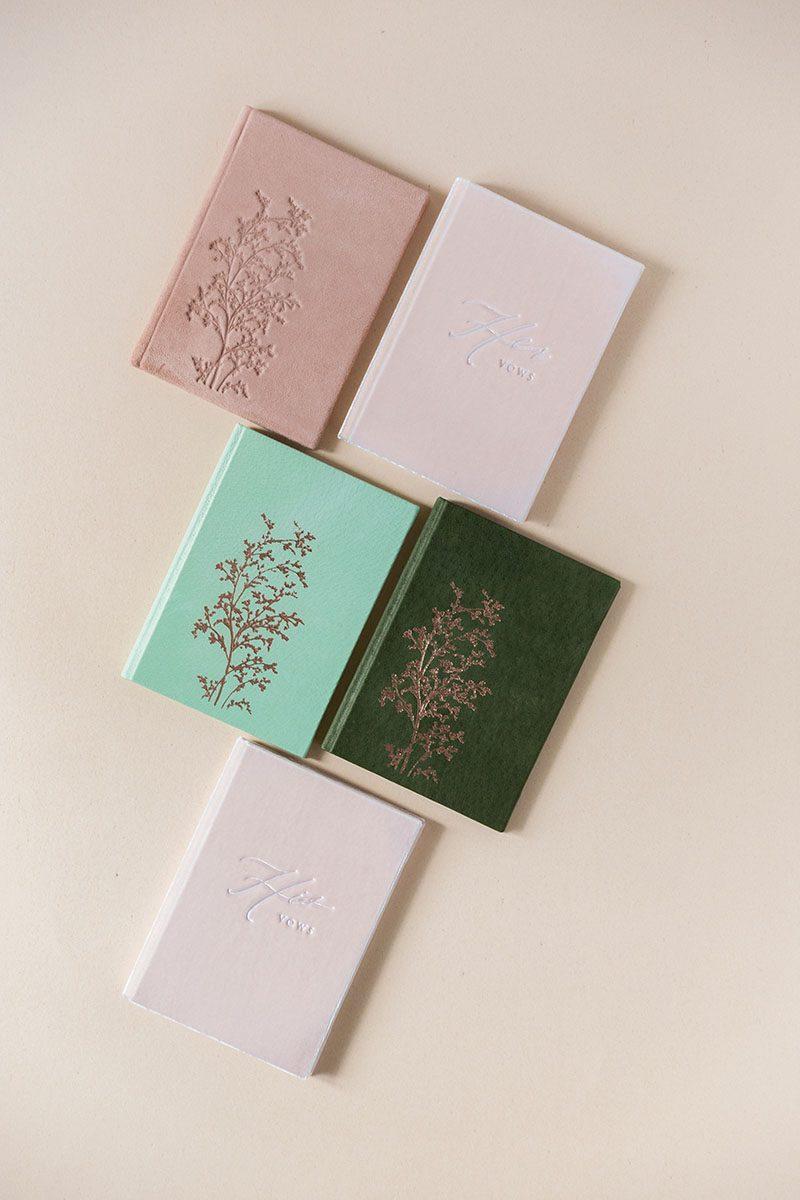 Bark-and-Berry-vintage-genuine-leather-suede-linen-velvet-wedding-embossed-monogram-vows-folder-book-mix-002