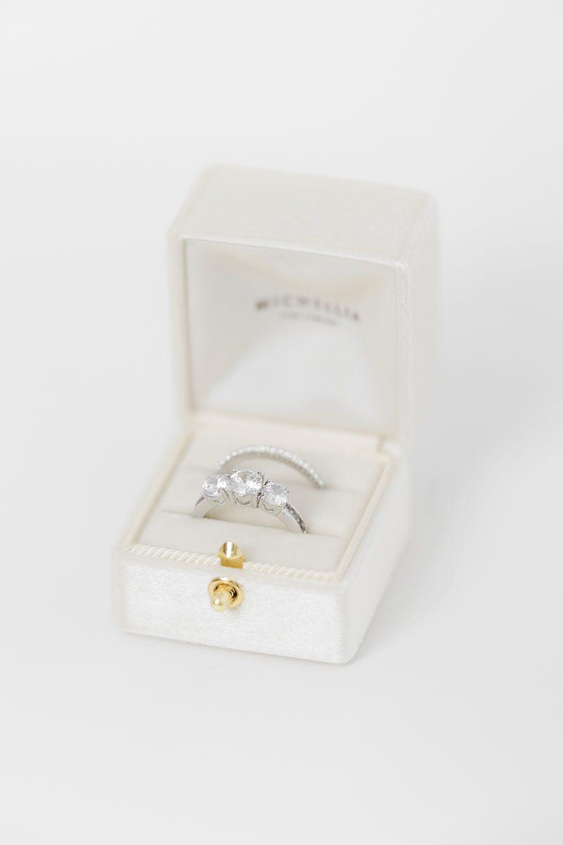 Bark-and-Berry-Ivory-vintage-wedding-embossed-double-monogram-velvet-grand-ring-box-all-ivory-double-slot-001