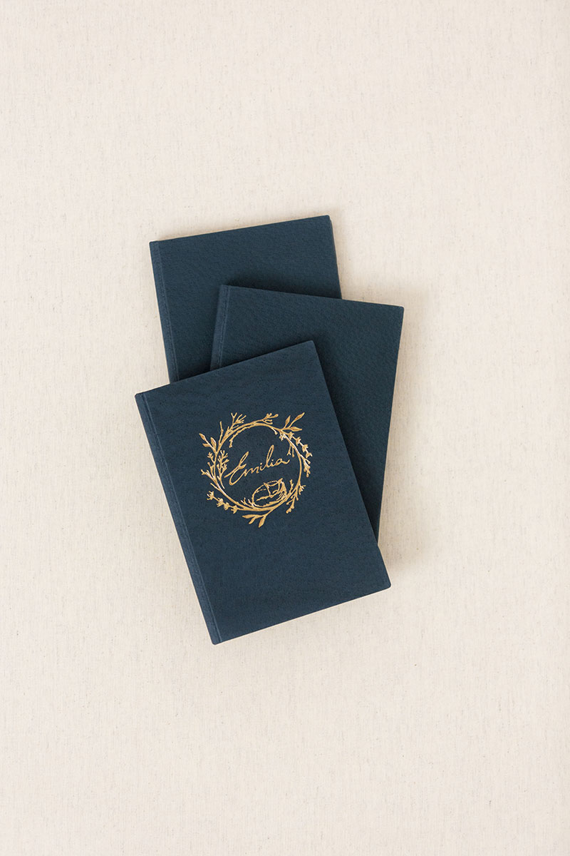 Wedding Stationery vows book menu folio linen velvet leather Silk Russia UK US