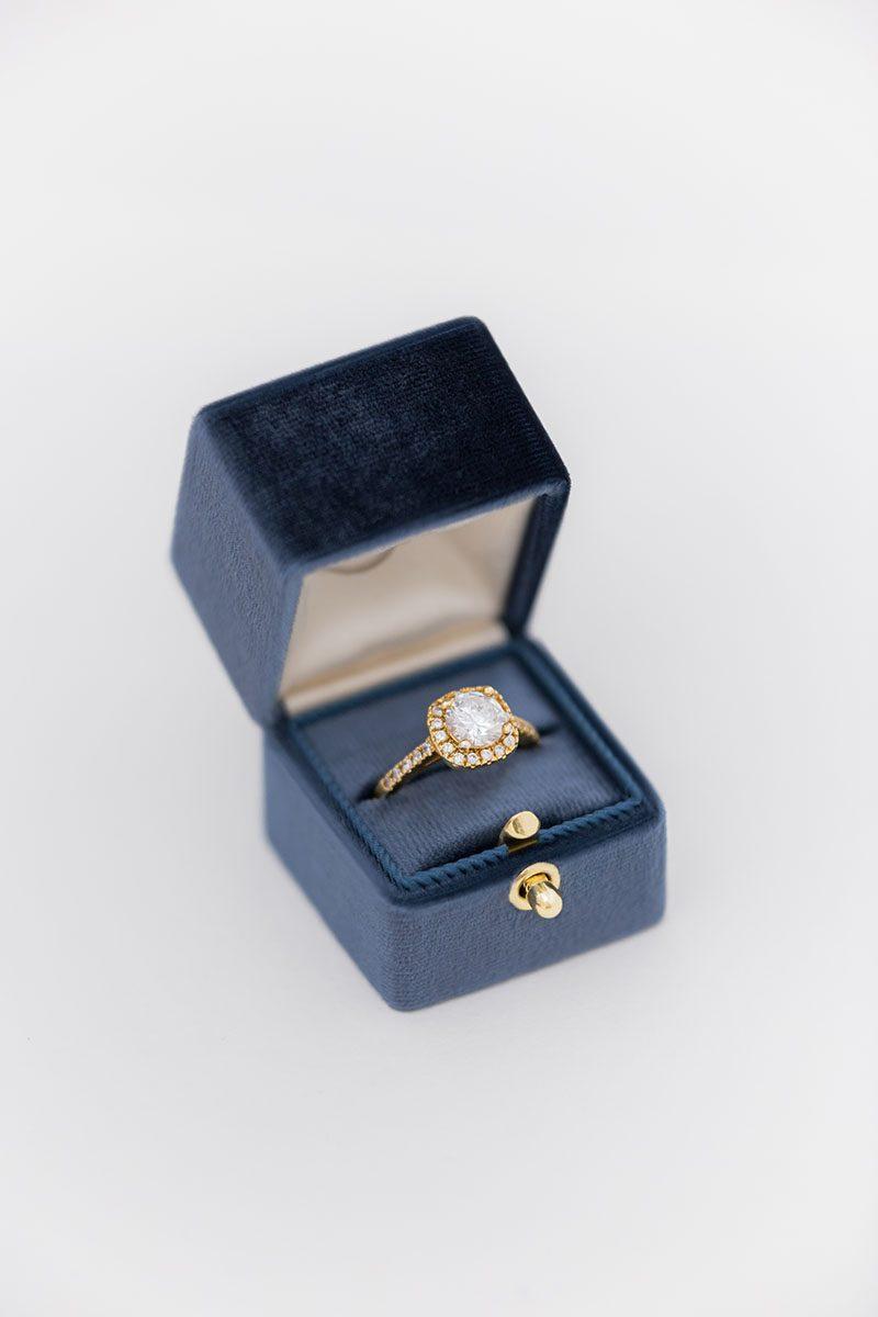 Bark-and-Berry-Ocean-vintage-wedding-embossed-monogram-velvet-ring-box-with-lock-001