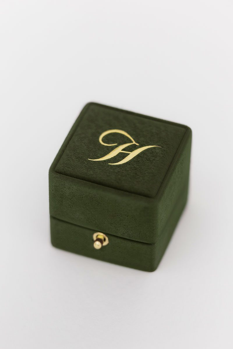Bark-and-Berry-Charlotte-vintage-wedding-embossed-double-monogram-velvet-suede-grand-ring-box-ivory-black-002