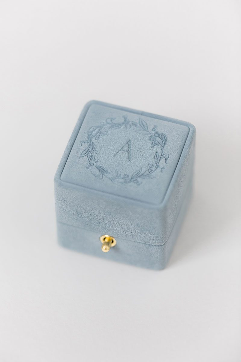 Bark-and-Berry-Grace-vintage-wedding-embossed-double-monogram-velvet-suede-grand-ring-box-005