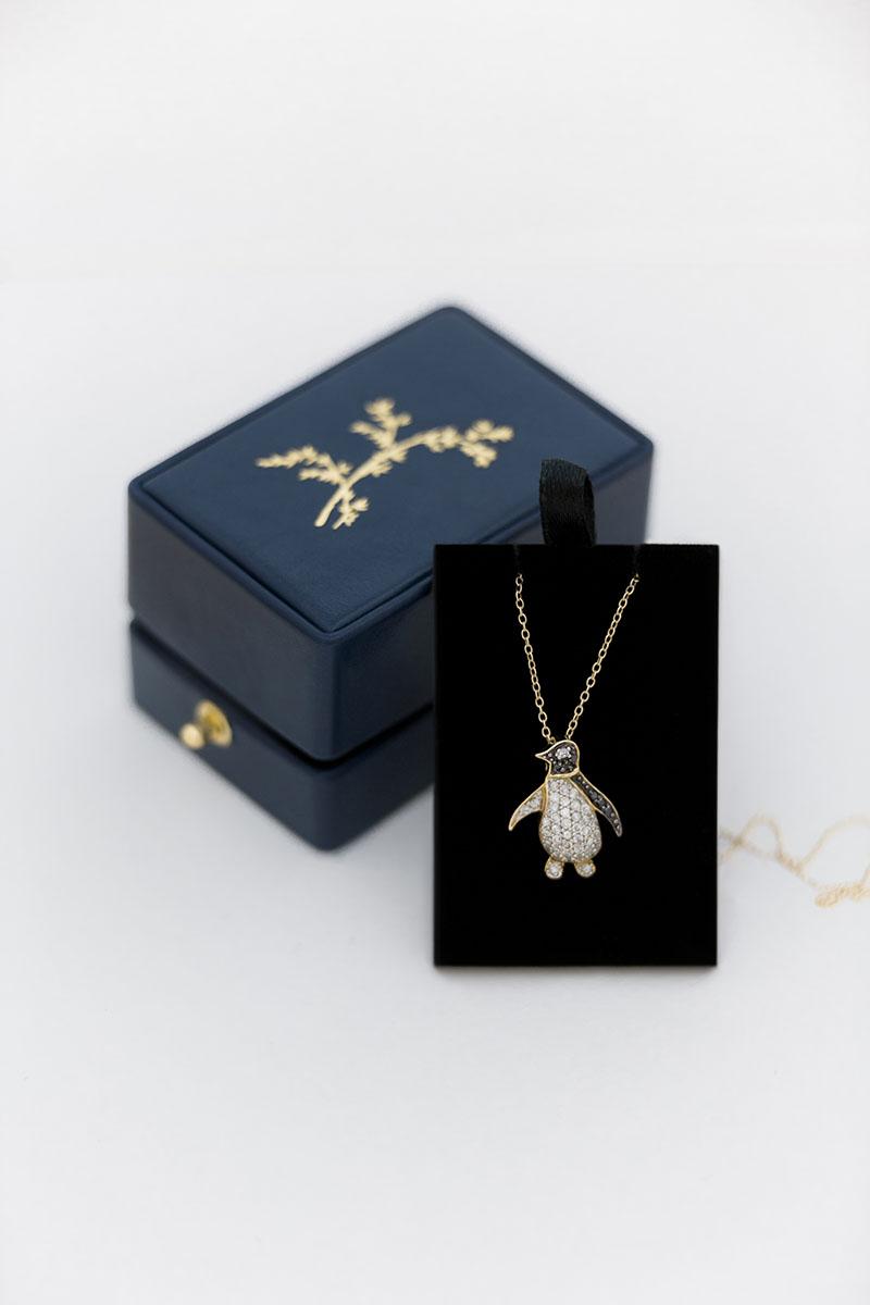 классическая коробочка для сережек невесты на свадьбу в подарок из натуральной кожи с индивидуальным тиснением