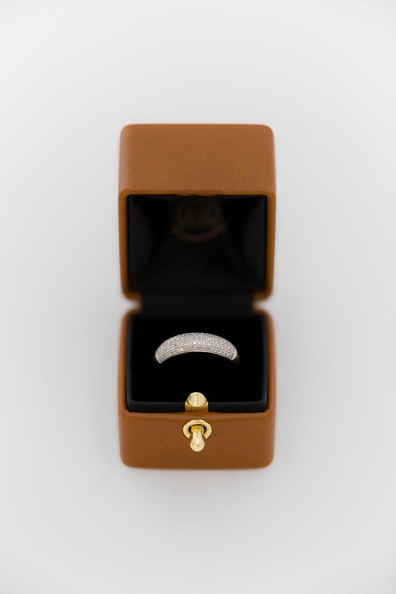 Bark-and-Berry-Alix-vintage-wedding-embossed-monogram-velvet-leather-ring-box-002