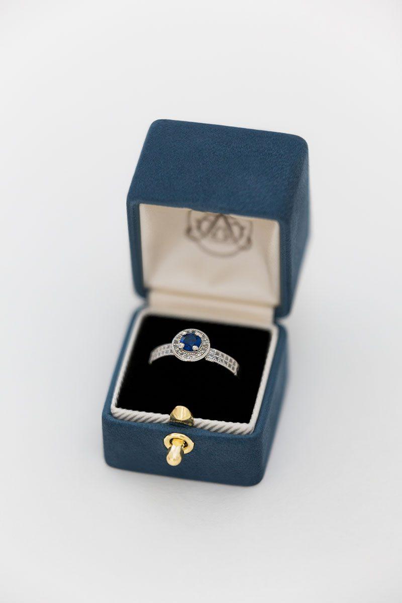 Bark-and-Berry-Nicholas-vintage-wedding-embossed-monogram-velvet-suede-ring-box-004