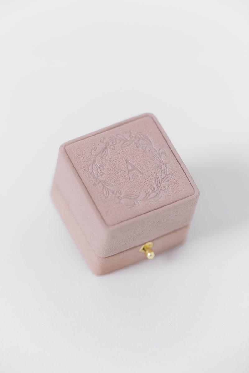 Bark-and-Berry-Diana-vintage-wedding-embossed-double-monogram-velvet-suede-grand-ring-box-wreath1-001