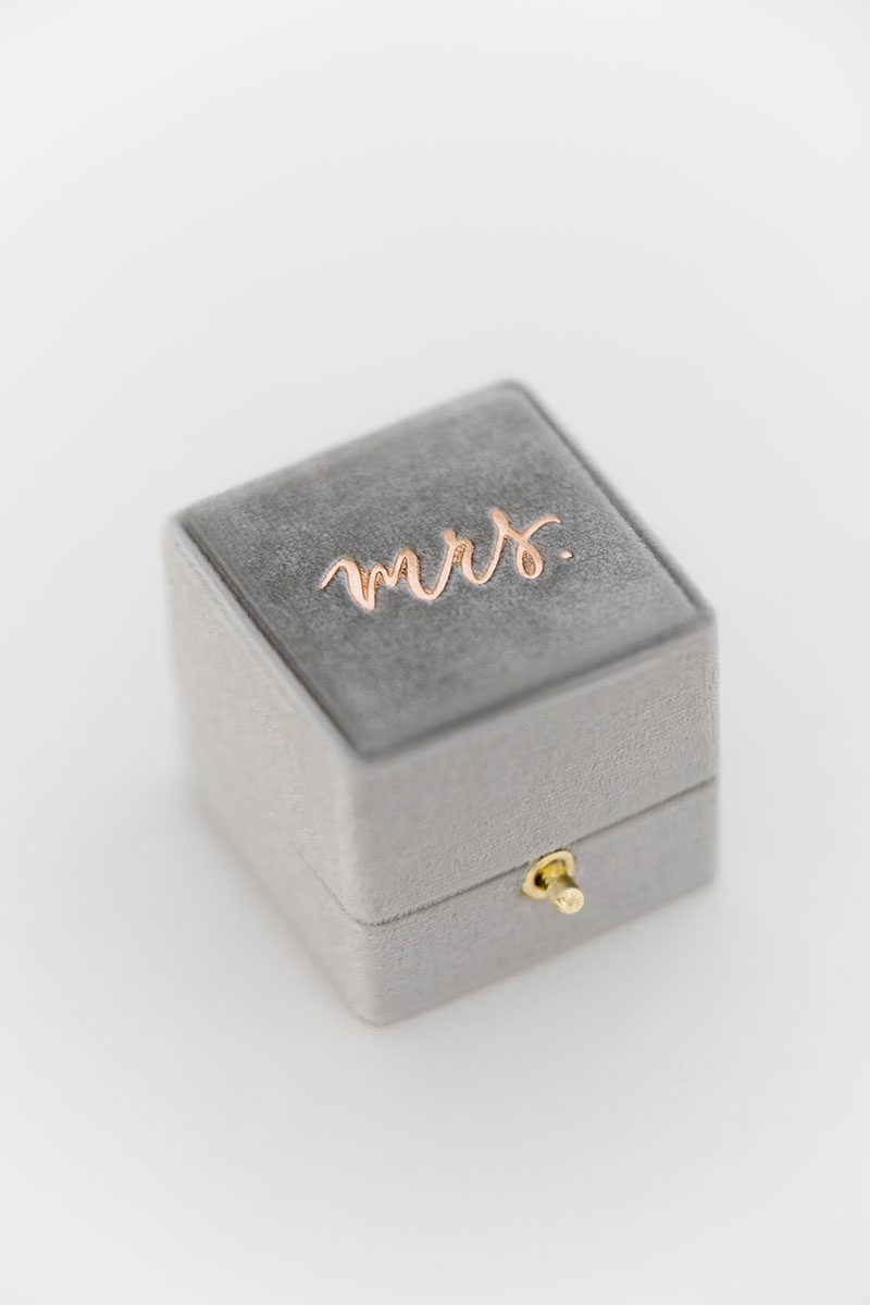 Bark-and-Berry-Fossil-vintage-wedding-embossed-monogram-velvet-grand-ring-box-double-single-slot-002