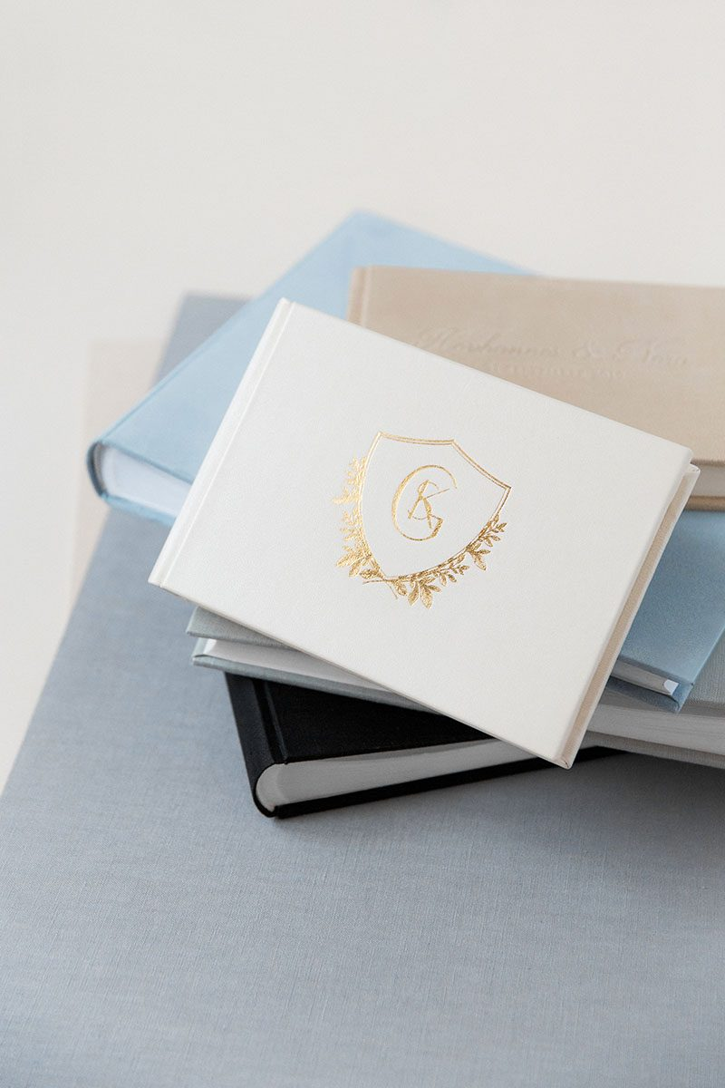 Bark-and-Berry-Mix-vintage-suede-linen-leather-wedding-embossed-monogram-guest-book-photoalbum-005