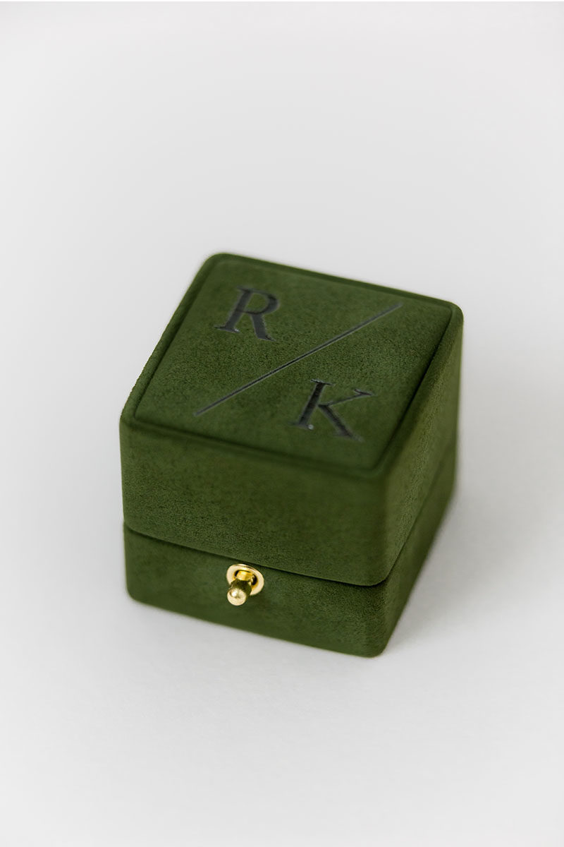 Bark-and-Berry-Charlotte-vintage-wedding-embossed-double-monogram-velvet-suede-grand-ring-box-003