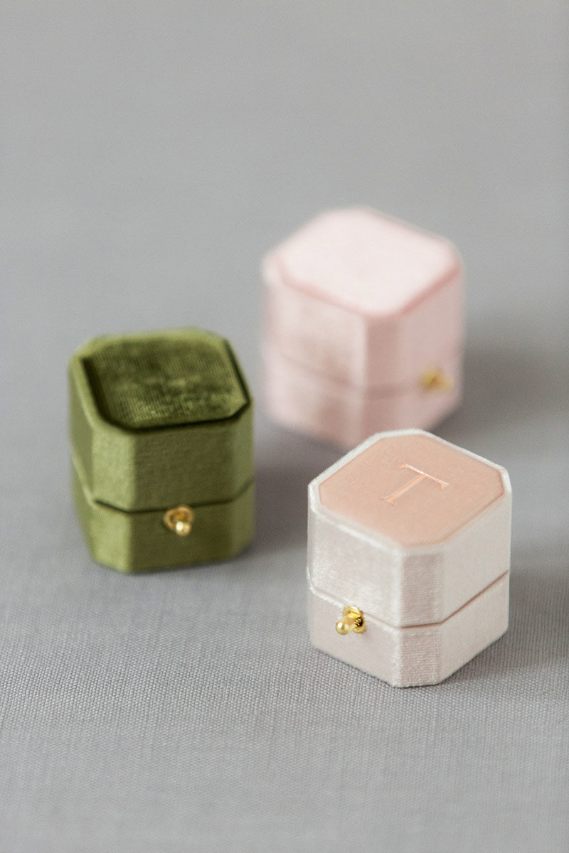 Bark-and-Berry-Moss-Petal-Blush-vintage-wedding-embossed-monogram-octagon-velvet-ring-box-with-lock-004
