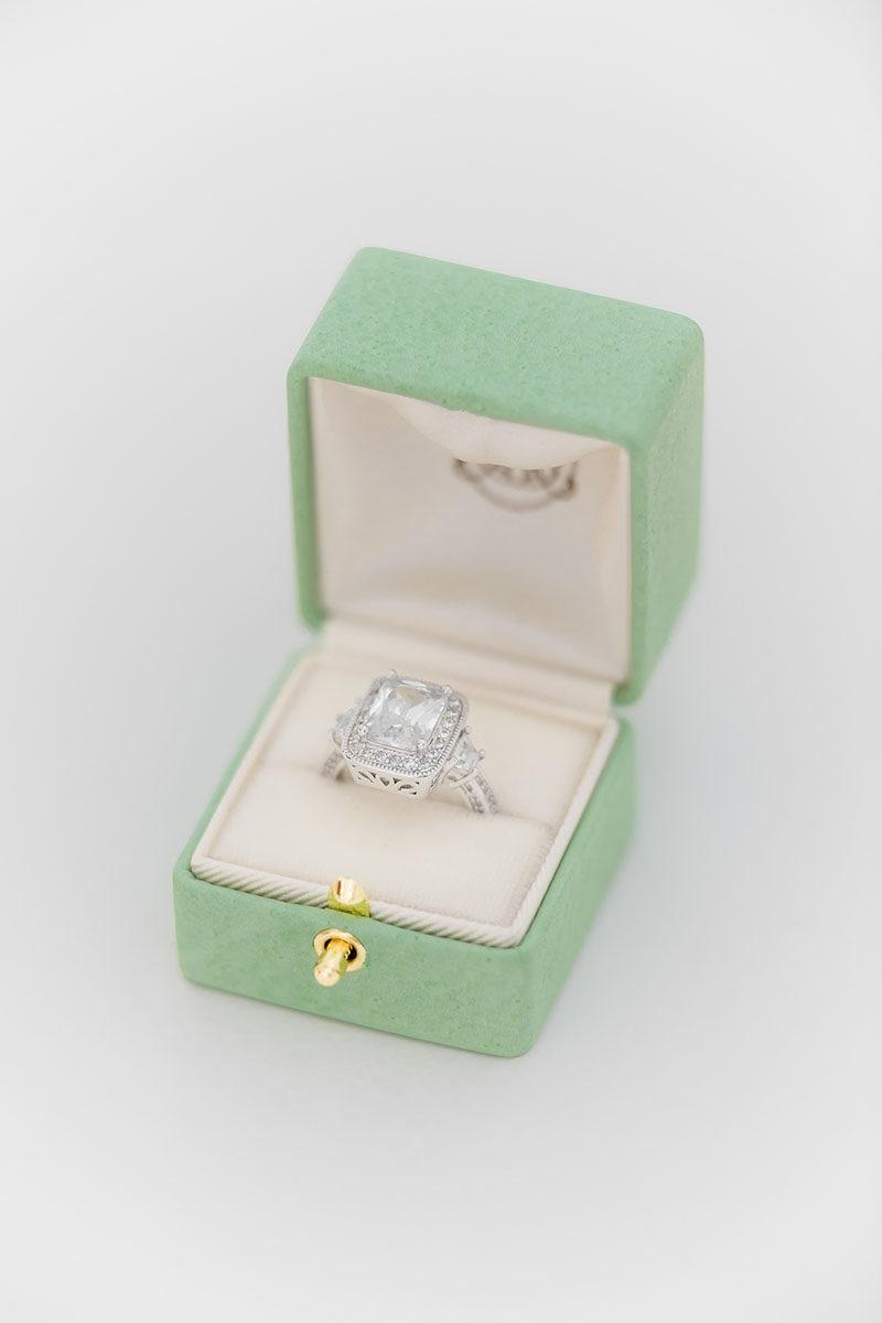 Bark-and-Berry-Honeydew-vintage-wedding-embossed-double-monogram-velvet-leather-grand-ring-box-001