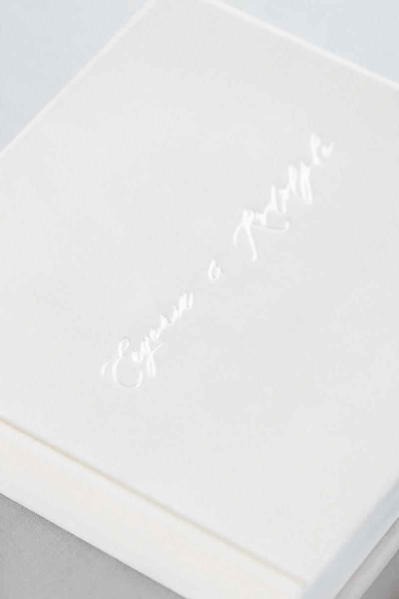 Bark-and-Berry-Ivory-vintage-velvet-wedding-embossed-monogram-guest-book-photoalbum-24x24cm-004