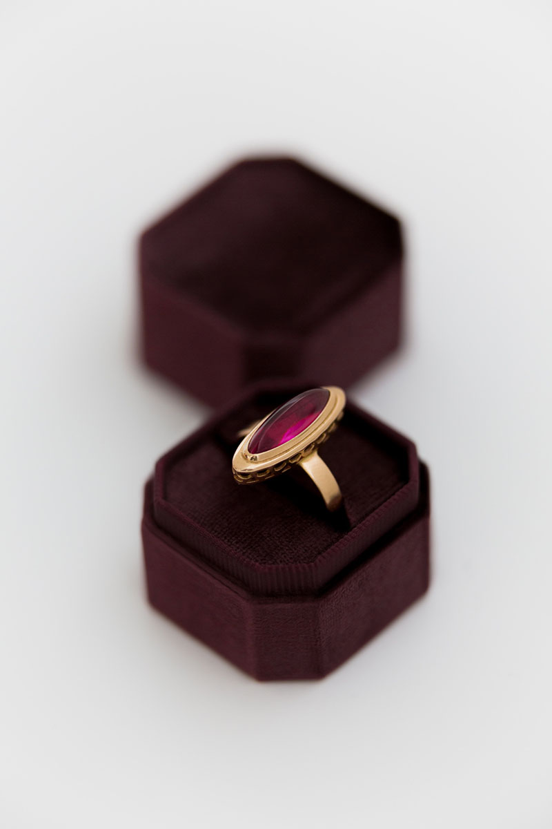 Bark-and-Berry-Petite-Prune-octagon-vintage-wedding-embossed-individual-monogram-velvet-ring-box-001