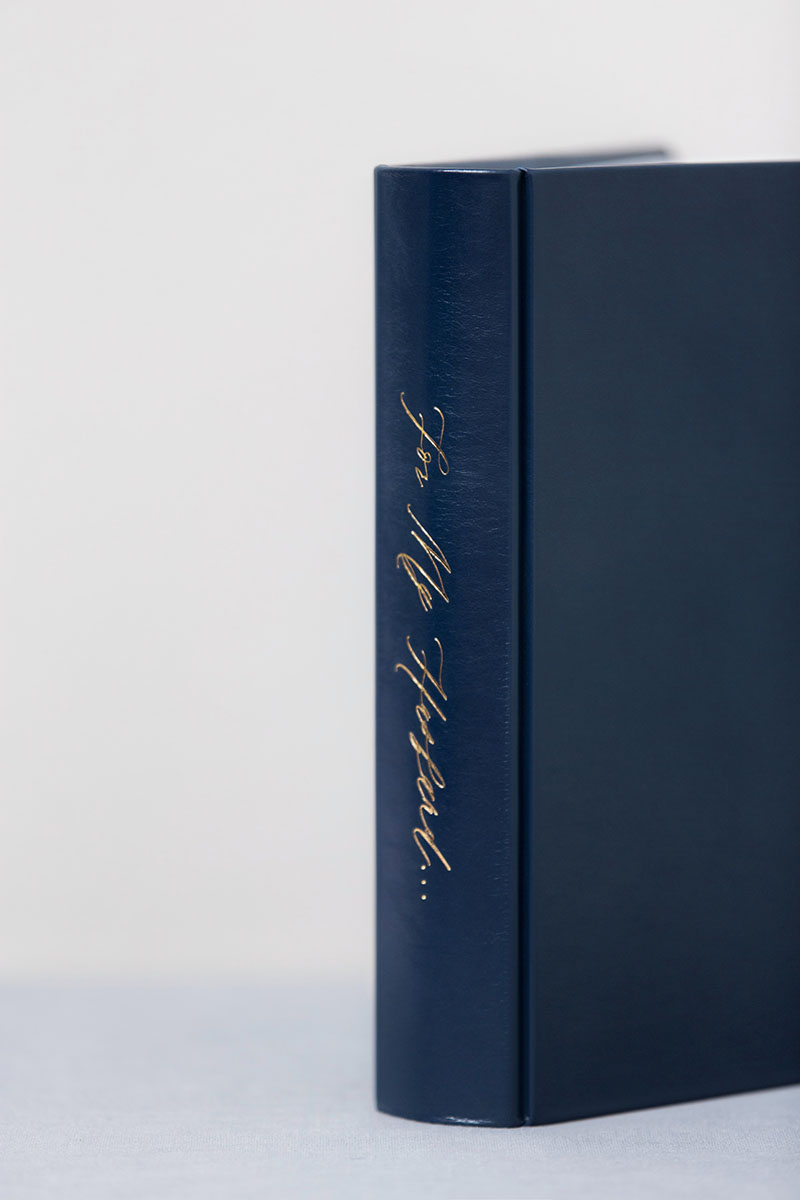 Bark-and-Berry-Nicholas-vintage-leather-wedding-embossed-monogram-guest-book-photoalbum-24x24cm-style3-spine