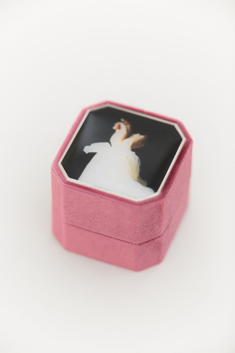 Bark-and-Berry-Grand-Berry-octagon-vintage-wedding-embossed-individual-monogram-velvet-ring-box-enamel-001